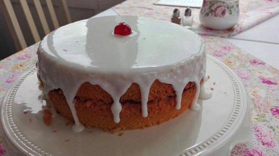Hoy, UK: Bakewell cake