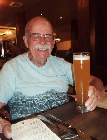 Roseville, Kalifornia: Father's Day beer for Tom