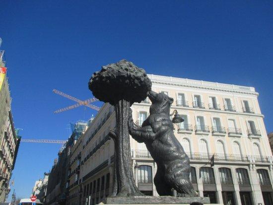 Puerta del Sol : Estátua do urso e do medronheiro