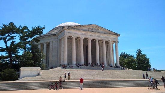 Jefferson Memorial : pohled zepředu