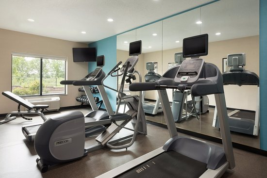 Fairfield Inn & Suites Hartford Manchester: Fitness Center is open 24/7 for your convenience.