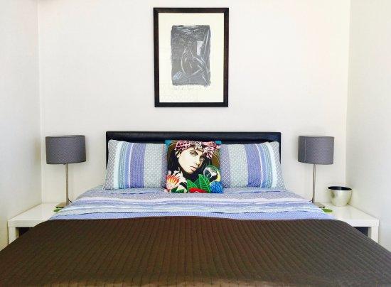 Bondi, ออสเตรเลีย: Balcony Studio 03-bedroom area