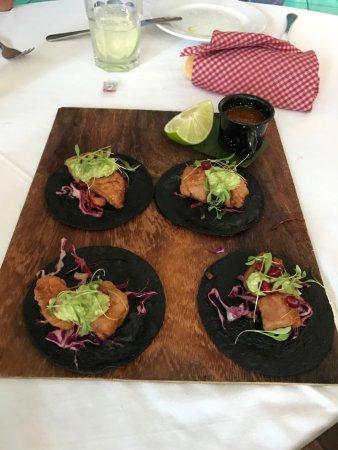 anita li: Tacos de chicharron de atun