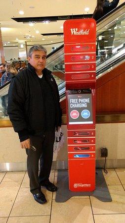 Paramus, NJ: Maquina para recargar gratis los celulares de los visitantes