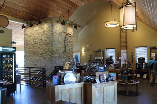 Waunakee, Ουισκόνσιν: Drumlin Ridge Winery - Gift Shop