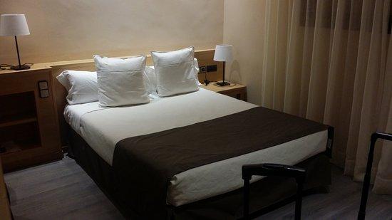 Apartamentos dv barcelona spanje foto 39 s reviews en for Appart hotel 08028