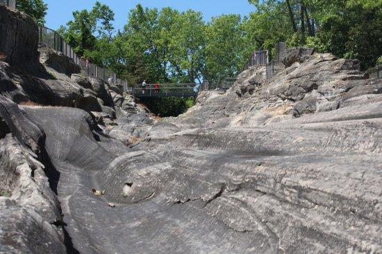 Kelleys Island, OH: Glacier grooves