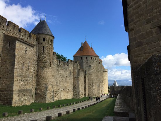 carcassonne between the walls photo de best western h tel le donjon carcassonne center. Black Bedroom Furniture Sets. Home Design Ideas