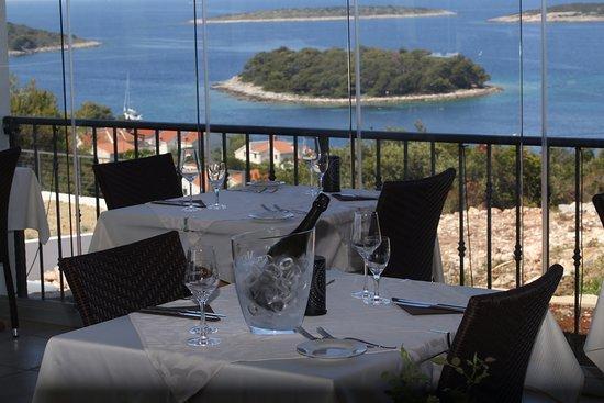 Maslinica, Croacia: view