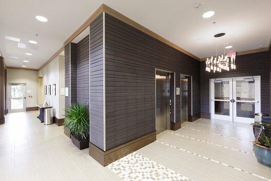 Shenandoah, TX: Elevator Lobby Area