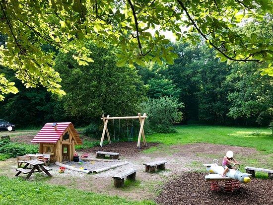 Wallhalben, Alemania: Seit kurzem auch mit ganz tollem, neuem Spielplatz für die Kleinen!