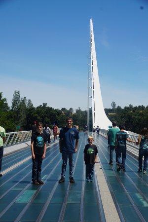 Sundial Bridge: Grandkids on the Bridge