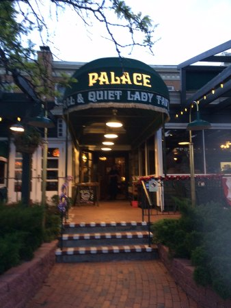 The Palace Restaurant: entrée