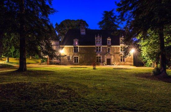 Cheille, Frankrig: Extérieur de nuit