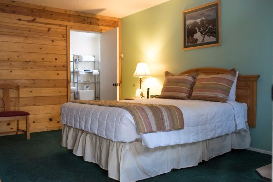 Ski Lift Lodge: Cozy cabins offer secluded and refreshing accommodations year-round.