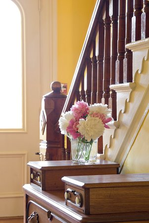 Middlebury, VT: Inviting front hall