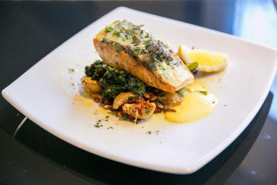 The Courtside Restaurant : Salmon Fillet