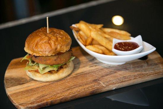 The Courtside Restaurant : Veggie Burger
