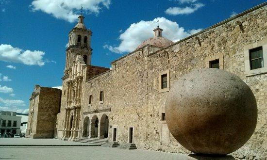Sombrerete, Zacatecas: Arquitectura, gastronomía, naturaleza.