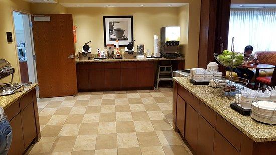 Auburn Hills, MI: Breakfast room