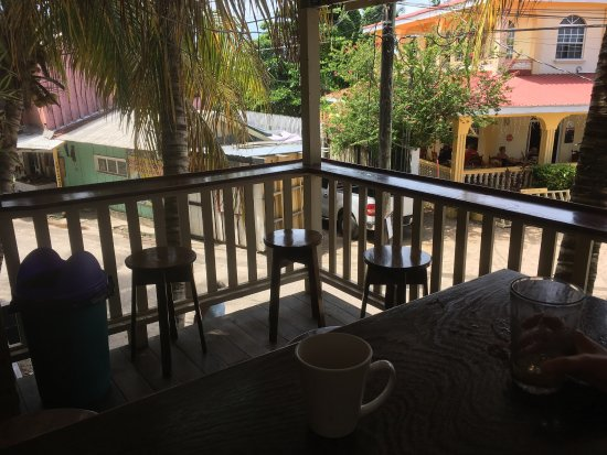 Above Grounds Coffee: photo0.jpg