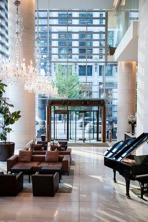Shangri-La Hotel, Vancouver: Main Lobby
