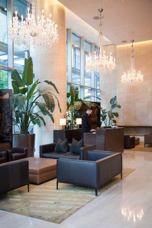 Shangri-La Hotel, Vancouver: Concierge