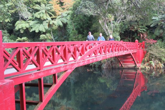New Plymouth, New Zealand: Bridge with a history