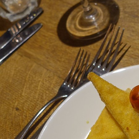 Kilpeck, UK: Chicken with fried polenta and roasted cherry tomatoes