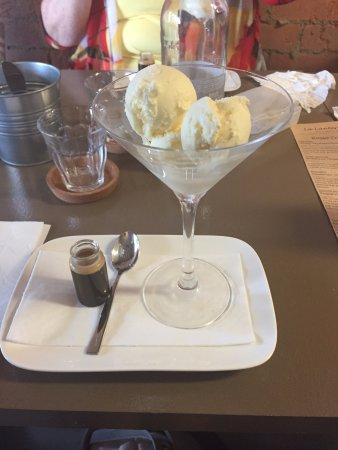 Redcliffe, Australia: Affogato - Expresso and ice-cream, delizioso!