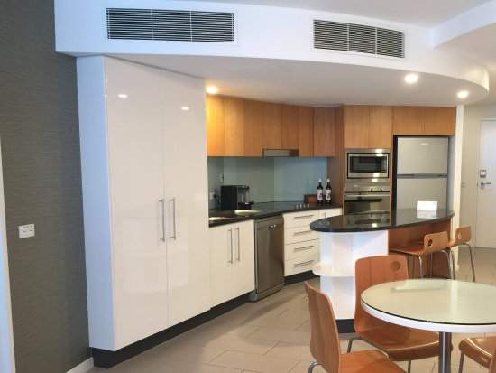 Rumba Beach Resort: Kitchen and Dining
