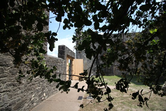 Goliad, TX: grounds behind the main building