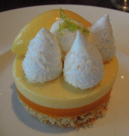 Henley-on-Thames, UK: Mango & Coconut
