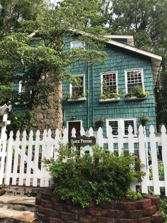 Laurel Springs Lodge B&B: photo1.jpg