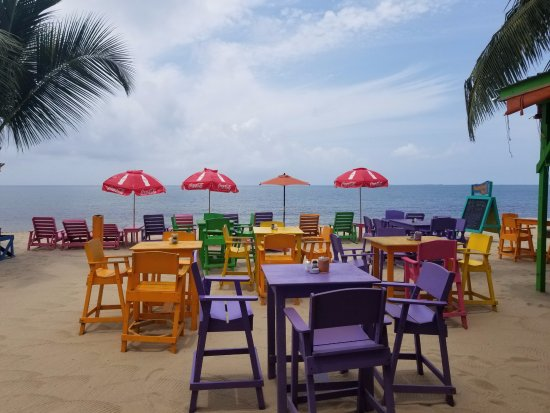 Barefoot Bar: a place to soak up the sun