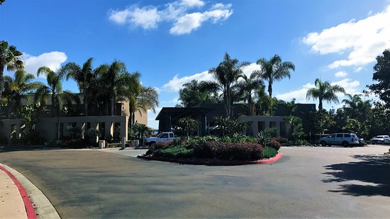 The Dana on Mission Bay, BW Premier Collection: The Dana on Mission Bay entry drive