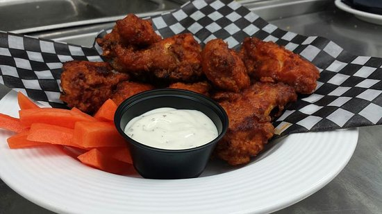 Port Hawkesbury, Canadá: Wings Night