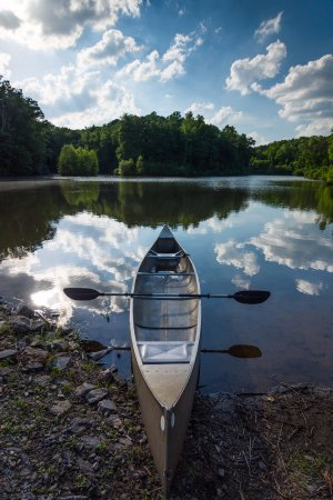 Pilot Mountain, NC: lake