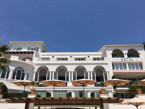 Auberge de la Calanque : Vue de la façade HOTEL