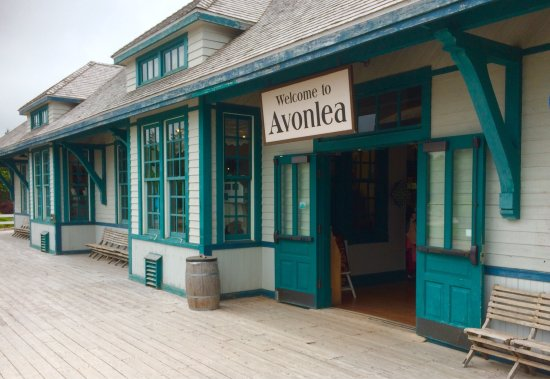 Entrance from the parking lot to  Avonlea Village