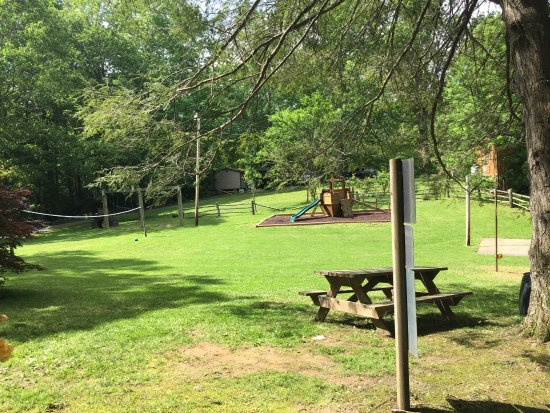 Linville Falls Campground RV Park & Cabins: Playground - many hours spent here!!