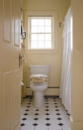 Middlebury, VT: All rooms have en-suite bathrooms.