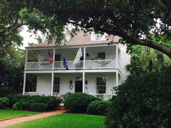 Beaufort, Carolina del Norte: Beautiful historic house we saw on the bike tour