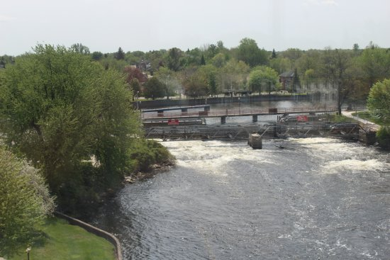 Smiths Falls, Canada: View from the top of the Rideau Canal Visitor Centre.