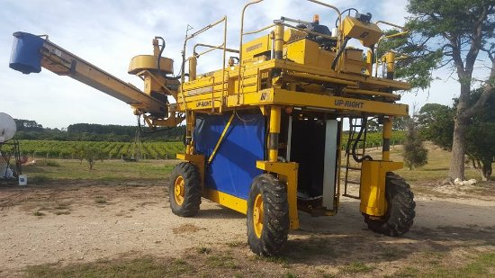 Robe, Australien: You might see the harvester swing into action if you visit during March, April or May
