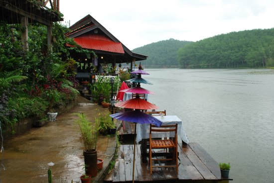 Sadao, Tailândia: ยามเมื่อฝนตั้งเค้า เหมือนดังเราเปลี่ยวใจ