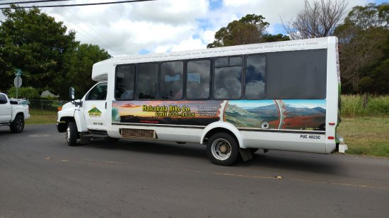 Paia, HI: This is one of the many competitors who had much nicer vehicles!