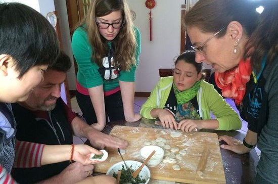 Dumpling cooking lesson in local...