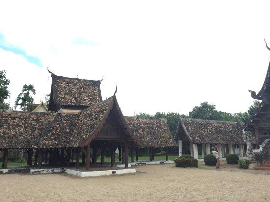 Hang Dong, Thailand: วิหาร