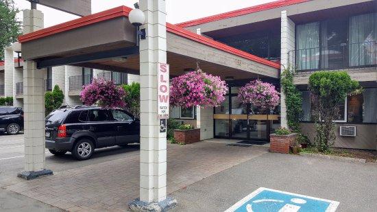 Quality Inn Quesnel : Entrance